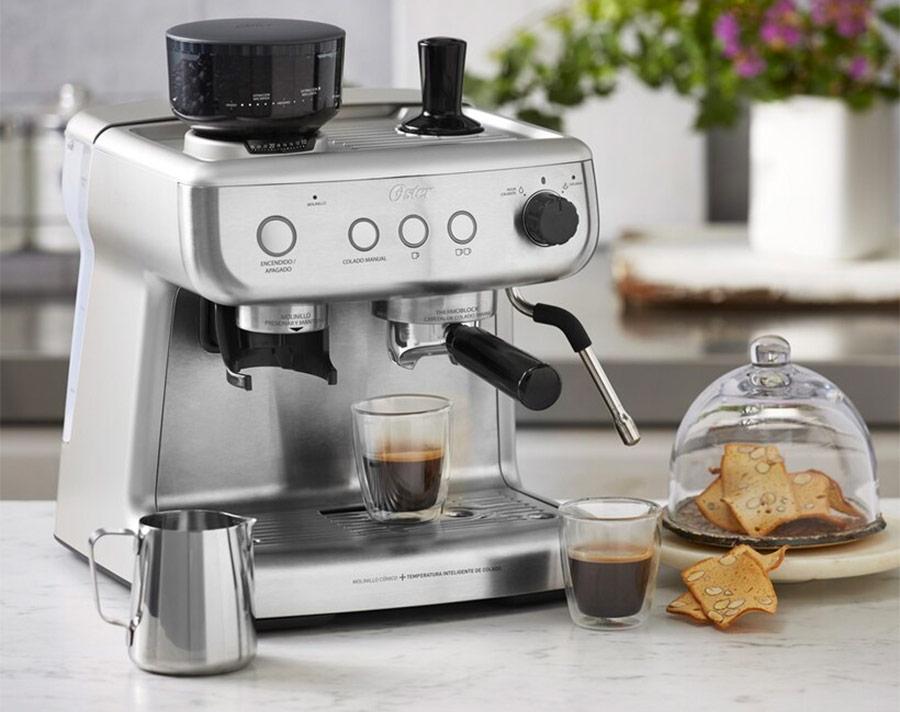 Cafetera electrodoméstico imprescindible