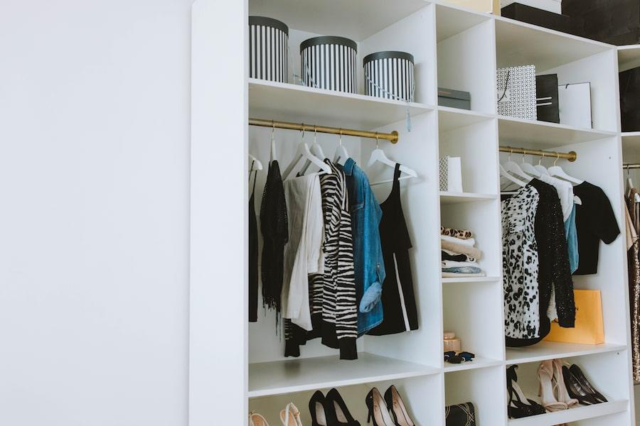 Trucos para organizar tu armario de forma práctica